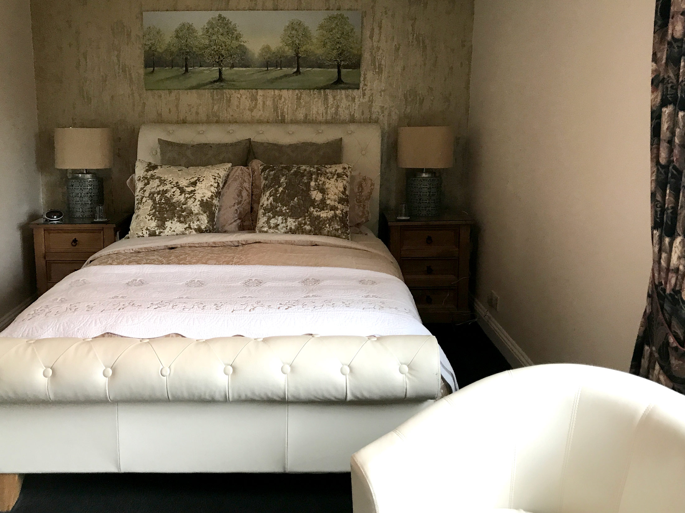 Emerald room with king size beds